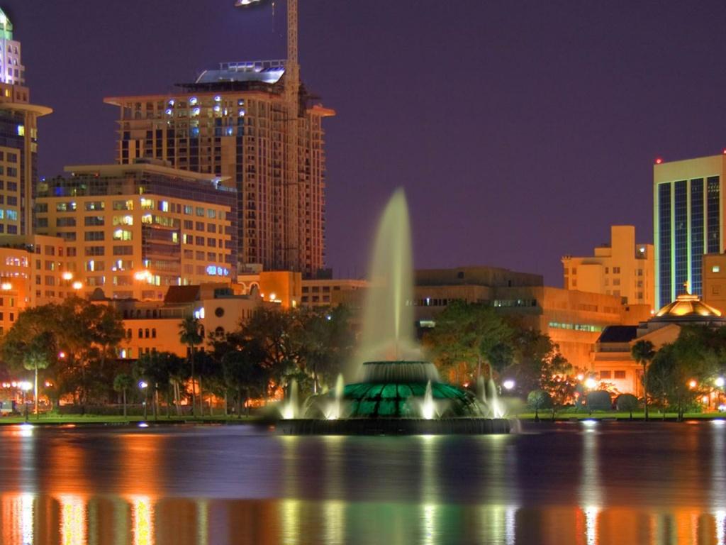 Orlando-Lake-Eola